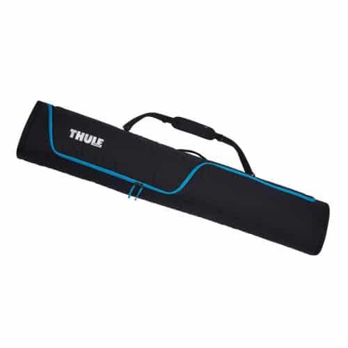Een ruime snowboardtas met gevoerde boardhoezen