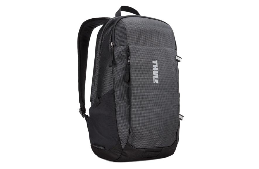 Of het nu om werk of ontspanning gaat, deze rugzak van 18 liter met SafeEdge-laptopbescherming is perfect voor het dagelijkse woon-werkverkeer of het weekendavontuur.