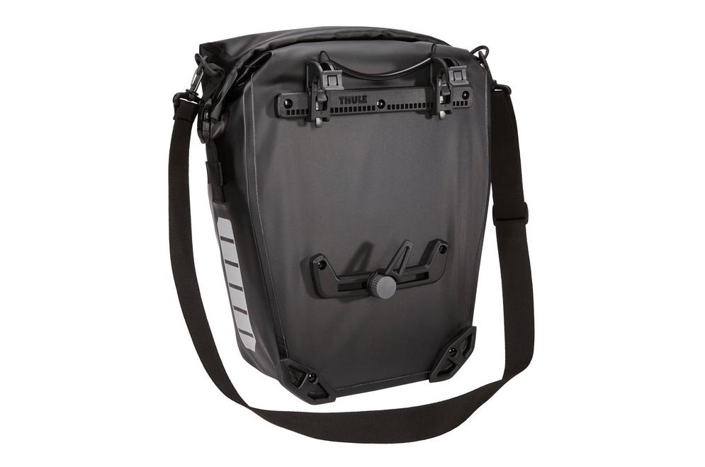Thule Shield Pannier 17L achterkant